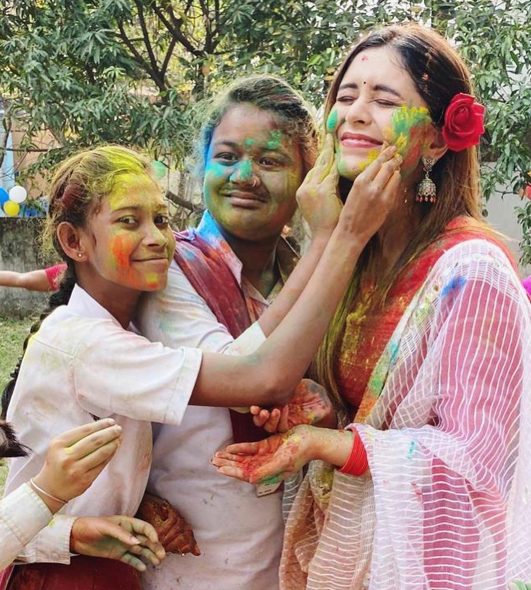 কলকাতার তারকাদের দোল উৎসব 5